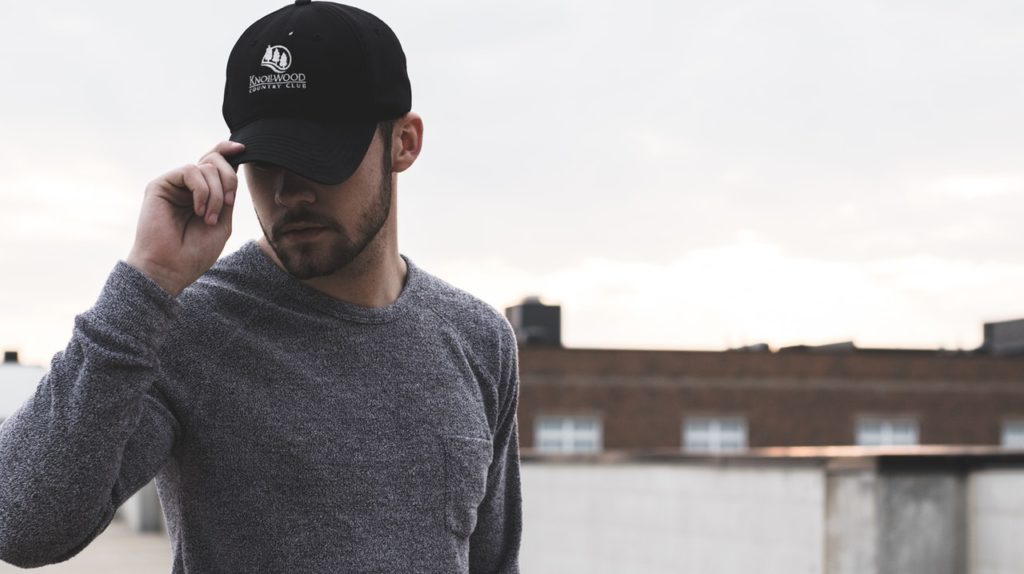 czapka z nadrukiem