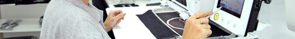 Haft na odzieży z logo firmy